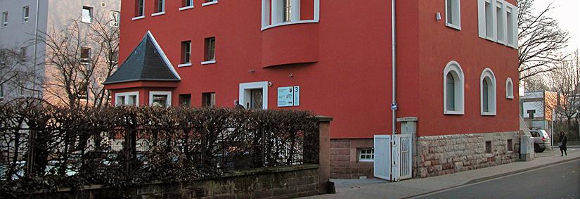 Fassade des Haus des Jugendrechts in Kaiserslautern.