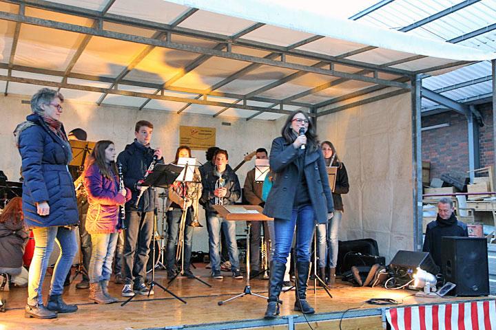 Begrüßung und Eröffnung des Wintermarktes ASZ.